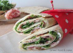 Ecco un'idea per un pasto veloce...wrap con fesa di tacchino e rucola! http://blog.giallozafferano.it/greenfoodandcake/wrap-fesa-tacchino-rucola/