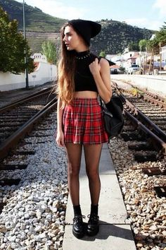 Dark grunge style outfit inspirations at luckymelli.com
