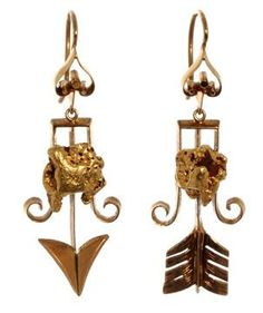 Gold Rush Earrings Dating gold arrow earrings with natural gold nuggets from the California gold rush. Arrow Jewelry, Arrow Earrings, 18k Gold Earrings, Bird Jewelry, Antique Earrings, Jewelry Box, Victorian Jewelry, Antique Jewelry, Vintage Jewelry