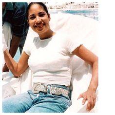 Rare pic of Selena Quintanilla Perez I found on IG