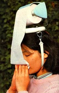 this is a BRILLIANT, BRILLLLLLLLIANT idea for those really annoying runny nose days, especially if you are a girl on the go!!!