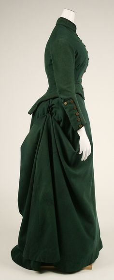 Gorgeous green wool riding habit; 1872 - from http://www.metmuseum.org/collections/search-the-collections/80005416?img=3