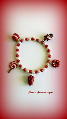 Bracciale in fimo handmade rosso con dolcetti : Braccialetti di chiara-creazioni-in-fimo