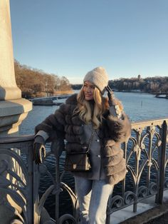 Lovisa Barkman Fur Fashion, Ootd Fashion, Winter Fashion, Fashion Outfits, Womens Fashion, Winter Looks, Fall Winter, Winter Style, Autumn