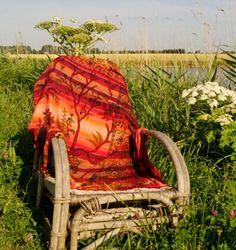 Indiase grand foulard (Katoen)     Met Tree of Life  Muurkleed/Bedsprei/grand foulard    Te gebruiken als decoratie aan de muur of als bedsprei maar kan ook prima als grand foulard over de bank  Met de hand gemaakt in India van zachte katoen stof  Maat: 220x200