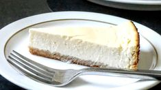 This low syn Slimming World cheesecake is great for calorie conscious guests with a buttery biscuit base. It is a New York style made with eggs and quark and baked in the oven. recipes new york videos Low Syn Slimming World Cheesecake Slimming World Cheesecake, Slimming World Cake, Slimming World Desserts, Slimming World Recipes Syn Free, Cheescake Recipe, Best Cheesecake, Chocolate Cheesecake, Slimming World Biscuits, Recipes