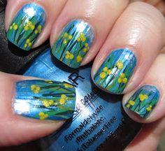 Small yellow spring flowers - små gule forårsblomster