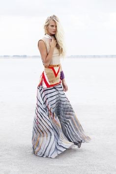 Everything about this geometric long dress is so right #streetstyle