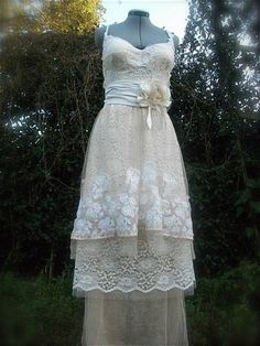 TaylorDeposit Wedding Dress by amandarosebridal on Etsy, $200.00