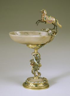 A late Baroque agate, gold, gilt, enamel and semiprecious-stone ceremonial cup made by Johann Melchior Dinglinger for Augustus Strong, elector of Saxony and king of Poland; symbolic details include a Polish horse bearing significant swords. Nautilus, Dresden, Vanitas, Baroque, Rococo, Objet D'art, Art Museum, Metal Working, Art Decor