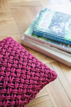 Crochet Bag Pattern Ideas & Proyectos – Knitting and crocheting Crochet Home, Love Crochet, Learn To Crochet, Crochet Motif, Crochet Stitches, Knit Crochet, Crochet Patterns, Cotton Cord, Crochet Decoration