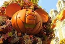 Disney looks so pretty in the fall :)