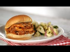 Martha Stewart Oven Bar-q Chicken Recipes : Pulled Barbecue-Chicken Sandwiches- Everyday Food with Sarah Carey Chicken Recipes For Kids, Chicken Recipes Video, Shredded Chicken Recipes, Pulled Chicken Sandwiches, Chicken Sandwich Recipes, Barbecue Chicken, Rotisserie Chicken, Sarah Carey, Healthy Salad Recipes