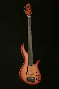 F Bass AC5 Fretless