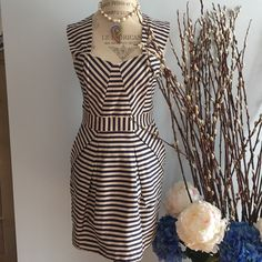 NWT Stripped navy & white SWEATHEART DRESS Stunning brand new with tags cotton dress with back zipper and front pockets! High quality heavy cotton material! Must have. Size medium. Pink martini Dresses Midi