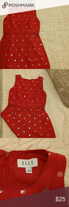 Elle Dress Totally adorable polka dot Elle dress. Worn once. Perfect to go out in. Elle Dresses Midi