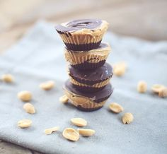 Enjoy the wonderful, rich and creamy taste of a peanut butter cup! These Skinny Peanut Butter Cups are sure to cure any chocolate craving! Pb2 Recipes, Peanut Butter Recipes, Peanut Butter Cups, Peanut Flour, Flour Recipes, Recipies, Snack Recipes, Dinner Recipes, Dessert Recipes
