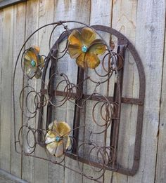 Top 24 Creative Ideas for Repurposing Bed Springs Garden art Bed Spring Crafts, Spring Projects, Spring Art, Spring Garden, Diy Projects, Mattress Springs, Old Mattress, Recycled Art, Recycled Materials