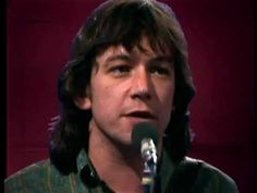 Archive footage from German TV of Eric Burdon & War performing 'Paint It Black' (1970). ♥ ♫ ♥ ♫♫ ♥ ♥☺    Eric Burdon - vocals  Lonnie Jordan - organ/piano/percussion  Charles Miller - flute/sax/percussion  Howard Scott - guitar  Lee Oskar - harmonica  B. B Dickerson - bass  (Papa) Dee Allen - bongos/congas/percussion  Harold Brown - drums/percus...