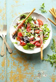fetasdinnyesalatakicsi Pasta Salad, Cobb Salad, Healthy, Ethnic Recipes, Food, Tiramisu, Inspiration, Crab Pasta Salad, Biblical Inspiration