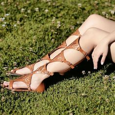 Pra quem AMA uma sandália cheia de estilo.  #gladiadoras #tanarabrasil #lookdodia