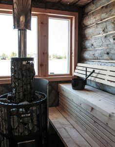Lauteet on sijoitettu kahdelle seinälle, jolloin saunojat voivat keskustella helposti kasvokkain.