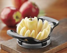 this tool produces two sizes of uniformly sliced apples