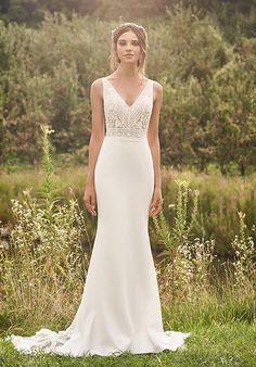 V Neck Wedding Dress, Fall Wedding Dresses, Wedding Dress Shopping, Boho Wedding Dress, Bridal Dresses, Wedding Dresses Fit And Flare, Sheath Wedding Dresses, Modern Wedding Dresses, Lillian West