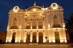 Teatro Alberto Maranhão, localizado no bairro da Ribeira, na cidade de Natal, estado do Rio Grande do Norte, Brasil.
