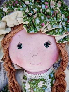 Vintage 1970s Holly Hobbie Friend AMY - What a Precious Face.  I'm glad I didn't miss out.