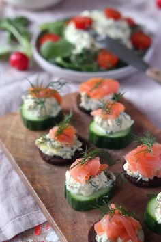 Easter brunch Recipes: Salmon appetizer with cream cheese, homemade cream cheese and bacon and egg muffins - Rezepte - FingerFood İdeen Potluck Appetizers, Appetizers For A Crowd, Appetizer Recipes, Easter Recipes, Salmon Appetizer, Seafood Appetizers, Cheese Appetizers, Fingerfood Recipes, Brunch Recipes