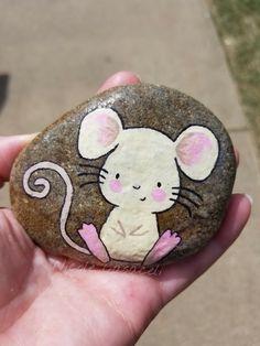 Mouse painted rock #paintedrocks #kindnessrocks