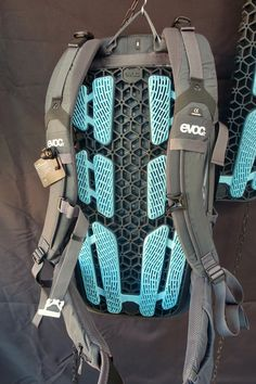9e6967d91f15 New Evoc Neo Hydration Pack Includes Back Protection