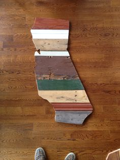 {PomboArt} cool state (& country) art made from salvaged wood. 3ft tall. Order your own state: avepom@yahoo.com
