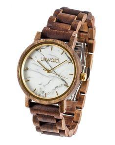 Holzuhr Schneeberg Walnuss 40mm von urwald #holzuhr #woodwatch #woodenwatch Wood Watch, Watches, Gold, Accessories, Unisex, Black Marble, White Marble, Beautiful Gifts, Dark Wood