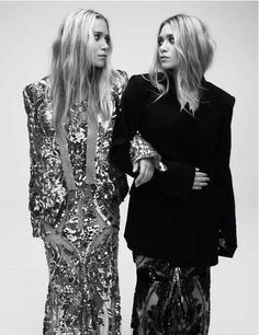 Mary-Kate & Ashley Olsen In Sequins, Lace, Black And Not To Mention Rocking Wavy Hair Mary Kate Olsen, Mary Kate Ashley, Ashley Olsen, Looks Street Style, Looks Style, Olivia Palermo, Pelo Color Gris, Look Fashion, Fashion Beauty