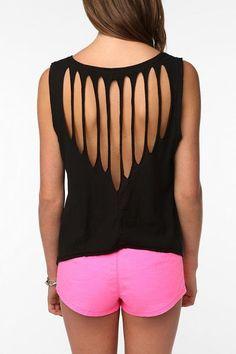 No Sew Slashed DIY T Shirt http://interestingfor.me/no-sew-slashed-diy-t-shirt/