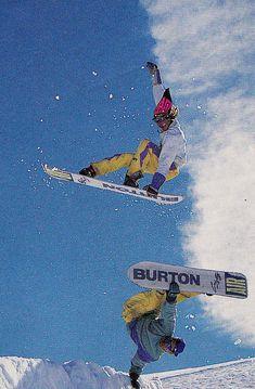 Wallace over Kelly Craig Kelly, Snowboarding Photography, Snowboarding Style, Vintage Ski, Burton Snowboards, Ski Fashion, Photo Wall Collage, Extreme Sports, Skiing