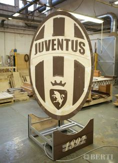 Work in progress Juventus coat of arms to celebrate victory.  #parquet #parquetlovers