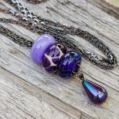 Lampwork Glass Beaded Lariat Necklace Boro Seeing Spots Glass Jewelry, Boho Jewelry, Jewelry Crafts, Beaded Jewelry, Glass Beads, Jewelry Design, Fashion Jewelry, Jewellery, Schmuck Design