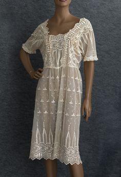 1920s Clothing at Vintage Textile: #7292 flapper dress