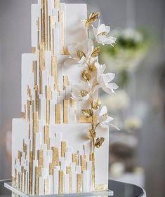 House of Mirrors - Dessert Hochzeit - Wedding Amazing Wedding Cakes, Elegant Wedding Cakes, Wedding Cake Designs, Cake Wedding, Trendy Wedding, Wedding Parties, Elegant Cakes, Wedding Cake Vintage, White Square Wedding Cakes