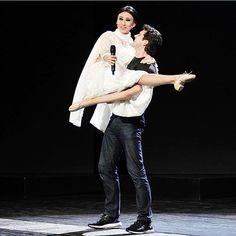 Having fun on stage with #carlafracci @virginiaraffaele #bollecheballachebello #aboutyesterday  by robertobolle