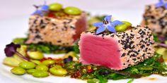 Ton rosu cu salata de alge wakame, edamame si sos de soia cu ghimbir sub semnatura Chef Nico Lontras la Hotel Simfonia ****