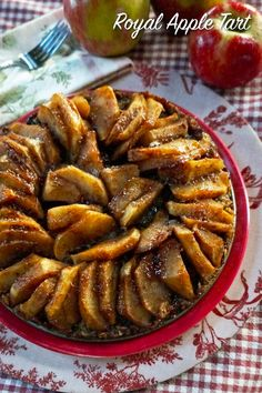 Fit for a king or queen, this beautiful tart showcases tender apple slices displayed on a flavorful, very moist crust. Apple Tart Recipe, Apple Recipes, Diet Recipes, Vegan Sweets, Vegan Desserts, Vegan Vegetarian, Vegetarian Recipes, Vegan Food, Vegan Meals