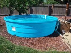 Portable Swimming Pools, Diy Swimming Pool, Kid Pool, Swimming Pool Designs, Pool Fun, Swimming Holes, Plastic Stock Tanks, Pallet Pool, Stock Tank Pool
