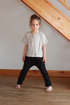 Girls linen harem pants. Harem pants. Black pants. Girls trousers. by Maliposhaclothes on Etsy