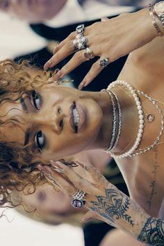 Pinterest: @ndeyepins | Rihanna