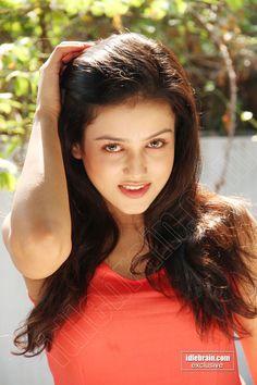 Beautiful Girl Wallpaper, Beautiful Girl Image, Beautiful Gorgeous, Beautiful People, Beautiful Women, Beautiful Bollywood Actress, Most Beautiful Indian Actress, Desi Girl Selfie, Girl With Curves