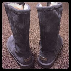 UGG classic tall boots pretty new!warm!nice!                                     upper: leather; lining: genuine sheepskin; outsole: rubber UGG Shoes Winter & Rain Boots